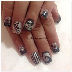 Nightmare Before Christmas nail art - perfect for Halloween!  Jack Skellington nails for a Disneyland vacation via Chelsea Divine nails