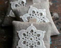 Crochet Motif These unique lavender sachets are sewn from linen with a crocheted motif. Sachets contain high quality lavender imported from France (approx. Crochet Motifs, Crochet Doilies, Crochet Flowers, Crochet Patterns, Crochet Cushions, Crochet Pillow, Pin Cushions, Lounge Cushions, Crochet Home