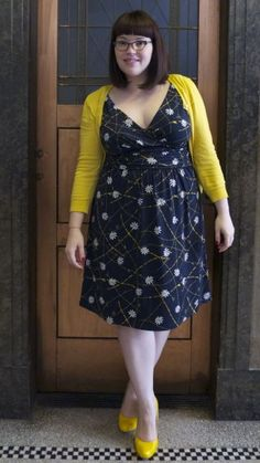 Navy daisies with yellow cardigan and pumps