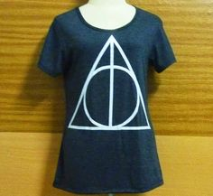 Women t-shirt Short sleeve shirt Crew neck Color dark Grey Hand printed screen printed  PLEASE VIEWS MEASURE SIZE CAREFULLY. .....Measure size S