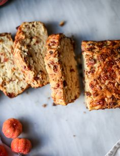 pumpkin cider beer bread with bacon and cheddar I howsweeteats.com