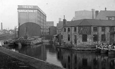 Barges and warehouses at the Trent Navigation Company wharf on the Nottingham Canal Old Pictures, Old Photos, Nottingham City, Knotty Alder, Canal Boat, Historical Images, History Photos, Derbyshire, Past