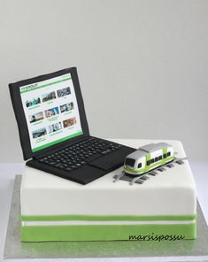 Marsispossu: läppärikakku, Laptop cake
