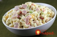 Macaroni Salad Recipe Want an easy snack or party dish? Try this simple macaroni salad recipe. Macaroni salad, similar to spaghetti, is typically served during fiestas or any celebration, such as fami Macaroni Salad With Ham, Macaroni Pasta, Ham Salad Recipes, Cold Pasta, Fusilli, Nutrition Education, Cookies Et Biscuits, Soup And Salad, Pasta Dishes
