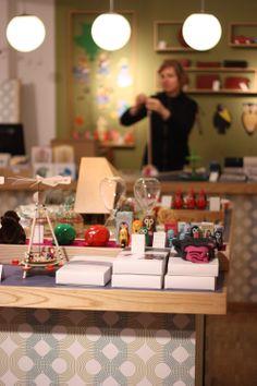 Germany // Hamburg // Lütt und Fien - shop for children Lovely Shop, Toy Store, Retail Design, Gifts For Kids, Kids Shop, Xmas, Spaces, Drink, Nice