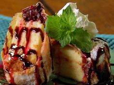 Deep Fried Cheesecake.....I WANT THIS NOW!!!!!