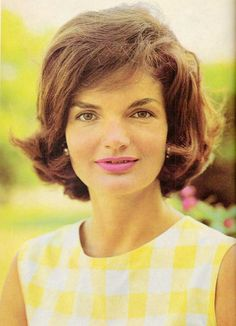 Jackie Kennedy, 1960. Photo by Jacque Lowe.❤❁❤❁❤❁❤❁❤❁❤ http://en.wikipedia.org/wiki/Jacqueline_Kennedy_Onassis  http://www.firstladies.org/biographies/firstladies.aspx?biography=36