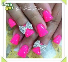 Pink Duckfeet Nails