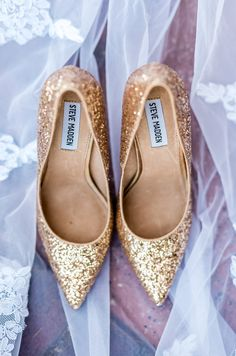 These gold glitter Steve Madden's are too cute! Cute Wedding Ideas, Chic Wedding, Gold Wedding, Wedding Shoes, Nikon D3200, Steve Madden Heels, After Life, Stay Gold, Blush And Gold