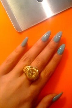 Love the color, & the nail shape