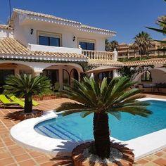 Frontline beach Villa for sale at 895.000eur close to Marbella.R2938049 Click on http://www.sisade.es/es/details/villa-a-la-venta-en-costa-del-sol_R2938049 Or visit us at www.sisade.es