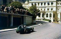 1957 Monaco GP, Monte Carlo : Tony Brooks, Vanwall VW5 #20, Vandervell Products Ltd, 2nd. (ph: f1championship.com)