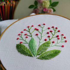 #flystitch #featherstitch #Germanknot #embroidery #embroideryart #handembroidery #art #handmade #needlework #diy #craft #handicraft #stitching #embroideryfloss #needlecraft #hobby #idea #stitch