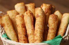 Conheça o pastel mais recheado do mundo: o muçarela stick com massa de pastel