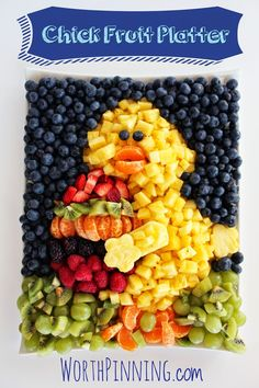 Worth Pinning: Chick Fresh Fruit Platter how to Veggie Platters, Party Platters, Veggie Tray, Easter Dinner, Easter Brunch, Easter Party, Easter Food, Easter Table, Easter Treats
