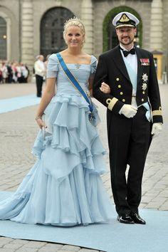principes herederos Haakon y Mette-Marit, en la boda de la princesa heredera Victoria de Suecia con Daniel Westling