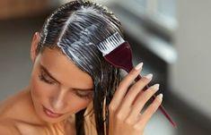 Παγάκια στο… πρόσωπο: 7 καταπληκτικές χρήσεις που καταπολεμούν την πρόωρη γήρανση.   Μυστικά ομορφιάς   mystikaomorfias.gr Hair Mask For Dandruff, Diy Hair Mask, Aloe Vera Hair Mask, Aloe Vera For Hair, Natural Hair Mask, Natural Hair Styles, Fresh Aloe Vera, Hair Regrowth, Strong Hair