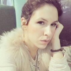 a new photo taken by daniellaready2dream! Dia de #relax de #descanso de nuevas #experiencias de #aprender de #pensamientos #domingo para mi para ti para #nosotros dias de #hablar de #nada y de #todo de #sueños de #proyectos porque a veces es necesario parar para seguir #adelante. #love #pink #dream #furcoat #light #weareone #Malaga #sunday #makeup #igers #deepthoughts #longway #longwalk #youandme #renew http://ift.tt/1lHQxfo
