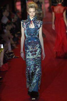 Saint Laurent Fall 2004 Ready-to-Wear Fashion Show - Gemma Ward (IMG)