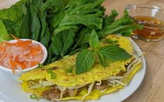 Banh Xeo, Vietnamese Cuisine, Chow Mein, Wok, Seafood, Spaghetti, Tacos, Fish, Ethnic Recipes
