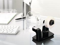 La cinta adhesiva para una amplia variedad de usos en casa y en la oficina. #tesa #cinta #cintadhesiva #oficina #colegio #escuela #tesafilm #portarrollos #dispensador #transparente #invisible #celo