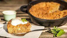 Hledáte recept na rychlou ajednoduchou buchtu? Ať už ji uděláte na plech, do pekáčku, či malé kulaté formy, garantujeme vám, že se po ní jen zapráší. Je skvělá jako snídaně nabitá energií ijako vydatná svačina. Mashed Potatoes, Macaroni And Cheese, Grains, Treats, Baking, Sweet, Ethnic Recipes, Cakes, Food