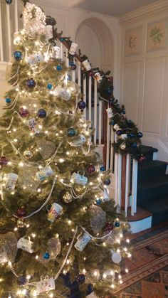Winter 2016 at River Farm (Alexandria, VA) -- Tree decorated in the theme of pearls, gold, and jewel tones with AHS seasonal mugs.