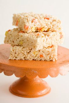 Paula Deen Crispy Rice Candy Corn Treats - I drizzled orange-tinted white chocolate on top. Marvelous!!