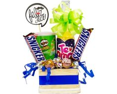 Balloon Arrangements, Snack Recipes, Snacks, Pop Tarts, Balloons, Bouquet, Packaging, Candy, Chocolates