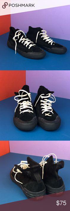577cc96afa HUF x Thrasher Classic Hi Skate Shoes. Never worn HUF x Thrasher Classic Hi  Skate