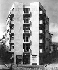200px-Terragni.CasaLavezzari.4.jpg (200×242)