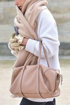 Jak nosić biel zimą ?