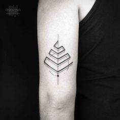Okan Uckun is a Turkish Tattoo artist work with Bang Bang Tattoos in New York. His amazing geometric, black and gray tattoos are so popular these days. Tattoos 3d, Circle Tattoos, Line Art Tattoos, Small Tattoos, Sleeve Tattoos, Cool Tattoos, Tricep Tattoos, Tattoo Life, Tattoo Shop