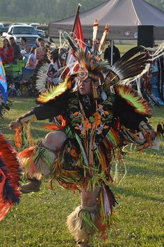 """Mountaineer News - Rocky Mountain House, Alberta, Canada By Sarah Maetche """"Calling All Drums to Where Adventure Begins Powwow"""". Employment Opportunities, Pow Wow, Indigenous Art, Mountain Man, Alberta Canada, First Nations, Cowboys, Drums, Photo Galleries"""