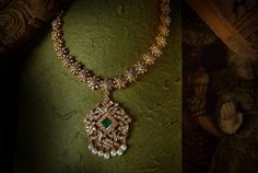 Jewellery Antique Online every Vintage Pearl Necklace Diamond Clasp via Diamond Necklace Long lest Simple And Elegant Diamond Necklace Designs neither Jewellery Shops In Mumbai Diamond Necklace Set, Diamond Cross Necklaces, Diamond Pendant, Diamond Jewelry, Gold Jewelry, Gold Necklace, Diamond Choker, Trendy Jewelry, Collar Necklace