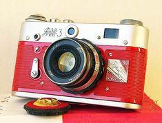 Pues, ahora que hay tanta igualda; si alguna me quiere proponer matrimonio, que sea con esto: Red October FED-3 Russian Leica