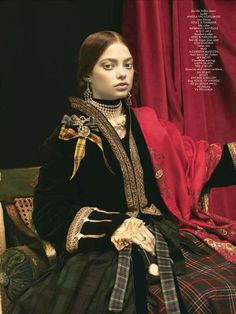 Palatial South Asian Couture - The CR Fashion Book 'The White Mughal' Editorial Exudes Rich Cu (GALLERY)