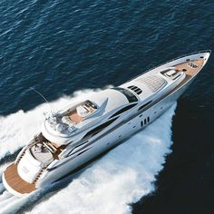 The superb PERSHING 115 in action. Elegant. Powerful. Sleek. An Italian beauty @yacht.style #yachtstyle #pershing115 #pershingyacht #pershing #yachtinglife #yachtingworld #yachtlife #powerboats @ferrettigroup #ferrettigroup #yachtdesign #italianyachts #madeinitaly #yachtlover #yachtstyle