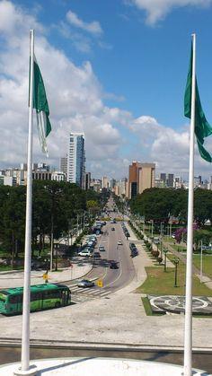 Curitiba passa a respirar turismo  http://www.informedevalor.com.br/curitiba-passa-a-respirar-turismo/