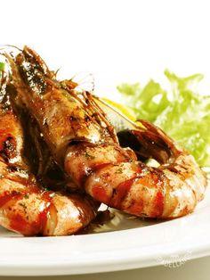Grilled prawns - Gamberoni al salto aromatici: un secondo di pesce che porta in tavola tutto il sapore del mare, ed è profumatissimo, grazie all'aneto! #gamberonisaltati