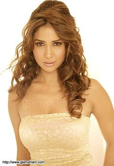 Kim sharma hot naked sexy huge boobies — img 3
