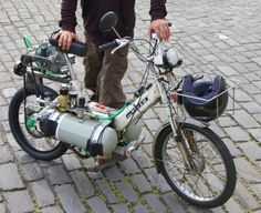 Moped powerd with compressed air.