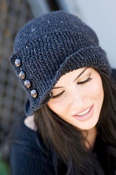 Robin Hood knit hat - LOVE.
