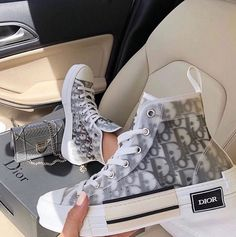 Dr Shoes, Swag Shoes, Nike Air Shoes, Hype Shoes, Me Too Shoes, Shoes Sneakers, Shoes Heels, Custom Sneakers, Gucci Shoes