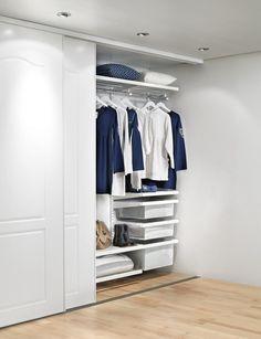 В одном шкафу можно отлично вместить разные системы хранения
