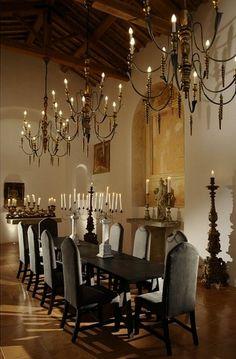 Classic Elegant Dining Room Classic Chandeliers Italian Villa Interior. #Interiordesign