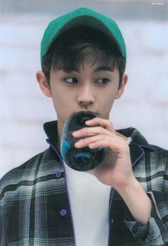 he's such a cutie omg Mark Lee, Winwin, Nct 127 Mark, Canadian Boys, Lee Min Hyung, Jung Jaehyun, Jung Woo, Ji Sung, Fandoms