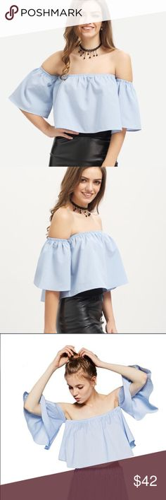 Off the Shoulder Crop Top PRICE FIRM✨3x HOST PICK✨Classy and Chick Crop Top. Can be paired with a high-waisted skirt, or your favorite denim cut-offs ✨OTHER SIZES ON THE WAY✨ Boutique Tops Crop Tops