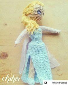 """#Repost @chikiscrochet (@get_repost) ・・・ """"Se tan libre como tu imaginación te lo permita"""" Se vino #Elsa a enseñarnos que los límites los pones tu¡ . #amigurumis a pedido¡ De los personajes que desees¡ . Pide el tuyo ya y regala piezas únicas hechas con amor . #amigurumi #amigurumidoll #crochet #crochetdoll #tejido #ganchillo #disney #frozen #aventurascongeladas #ana #elsa #princesa #princesadisney #niña #regalo #coleccionable #chikiscrochet #hechoenevenezuela #venezuela #vzla…"""