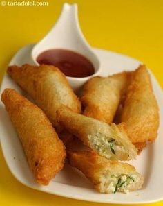 Snacks Recipes Cabbage and Paneer Rolls recipe Paneer Recipes, Veg Recipes, Indian Food Recipes, Vegetarian Recipes, Cooking Recipes, Snack Recipes, Paneer Snacks, Cooking Tips, Cabbage Recipes Indian